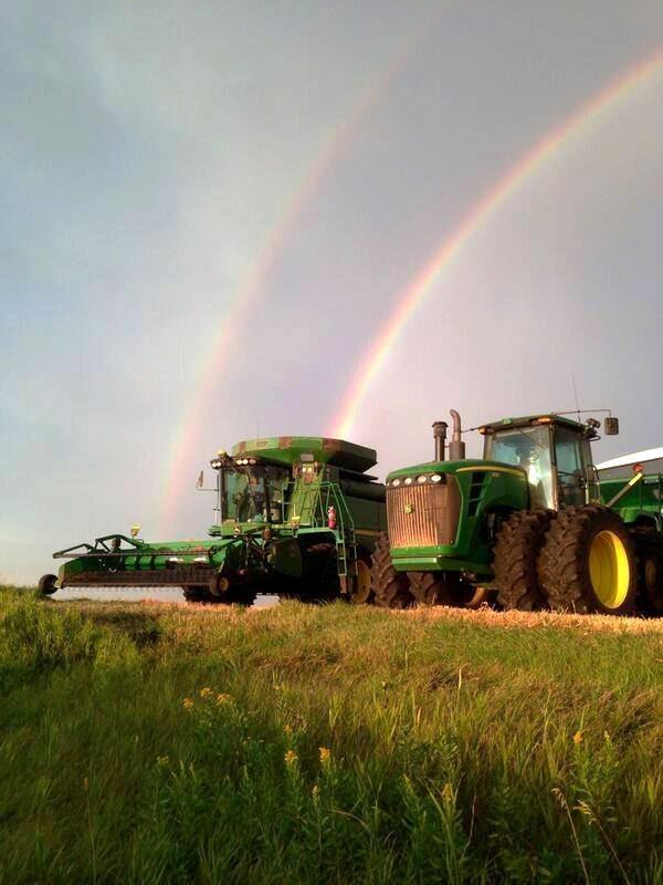 Wyatt Dyck @Dallas9412 @westernproducer #harvest13 pic.twitter.com/ZugBsfdT4U