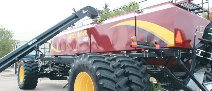The largest of Seed Hawk's carts will handle up to 980 bushels, with four products, including a new 40 bu. tank for canola or inoculant. The company offers the carts from 500 bushels.  |  Michael Raine photo
