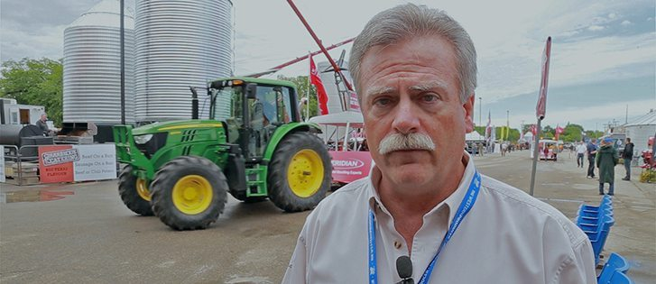 Kevin Hursh provides a few suggestions to help producers mitigate grain marketing risks, at Canada's Farm Progress Show. | Robin Booker, photo.