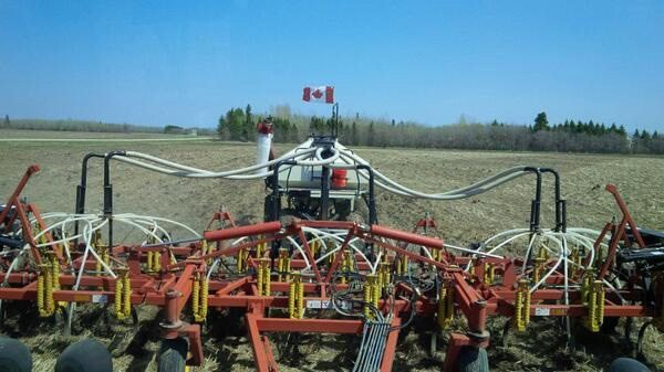 Lorne Boundy ‏@LorneBoundy Planting #flax May 23 #plant14 @The Western Producer