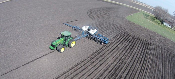 Andrew Focht Here are some Pictures of Focht Farms planting Corn in Southwest Iowa