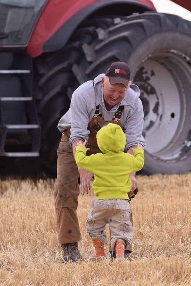 Lianne Beaupre-Scorgie‎ #Harvest15 Papa! Bringing Papa supper in the field! Who is more delighted?! Near Beaverlodge, Alberta