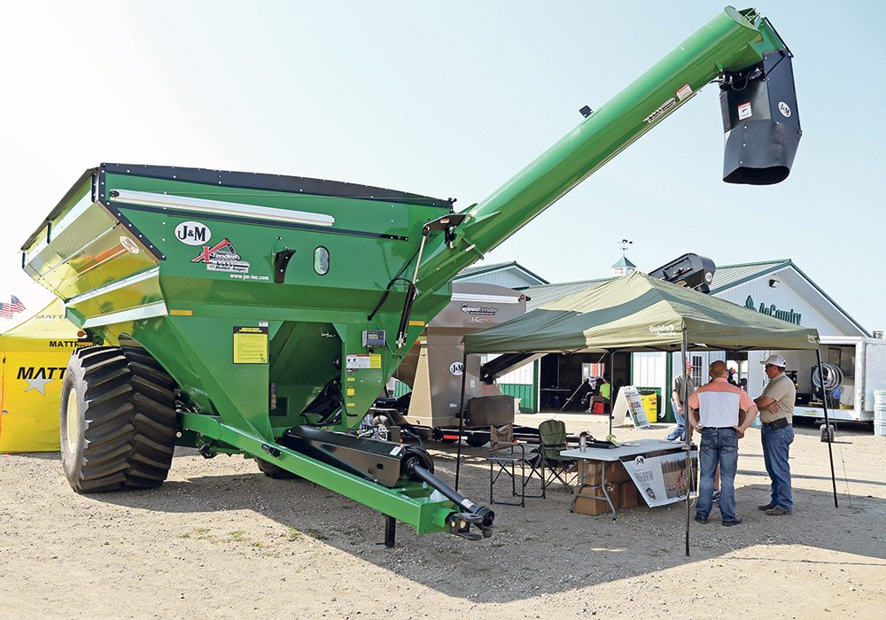 By eliminating the bend, the knuckle and the soft-start rubber,  the Xtended-Reach auger can be firmly fixed to the cart body and the auger is driven directly from the gearbox. | Robin Booker photo