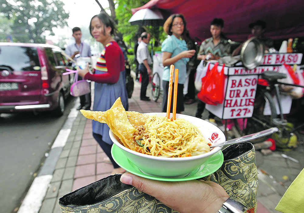 Indonesia buys CWRS wheat from Canada to make food products such as noodles.  |  Reuters/Enny Nuraheni photo
